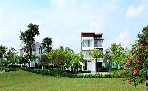 Detached villas in Gamuda Gardens